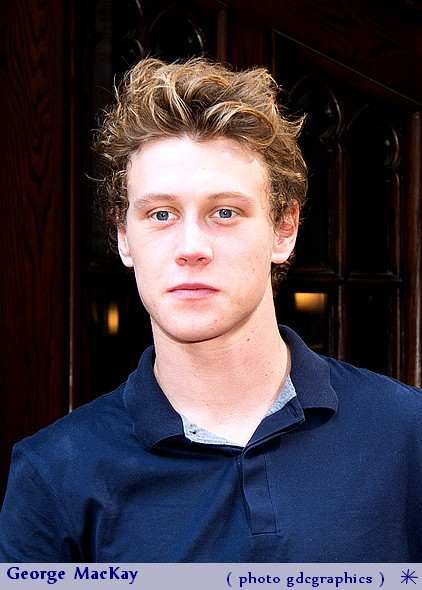 photo George MacKay telechargement gratuit