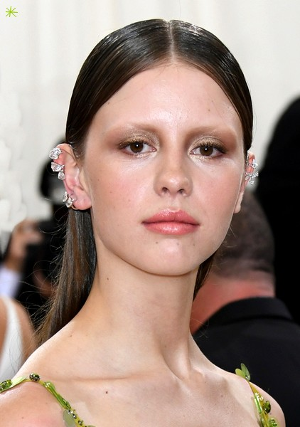 photo Mia Goth telechargement gratuit