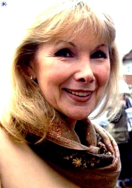 photo Susan Hampshire telechargement gratuit