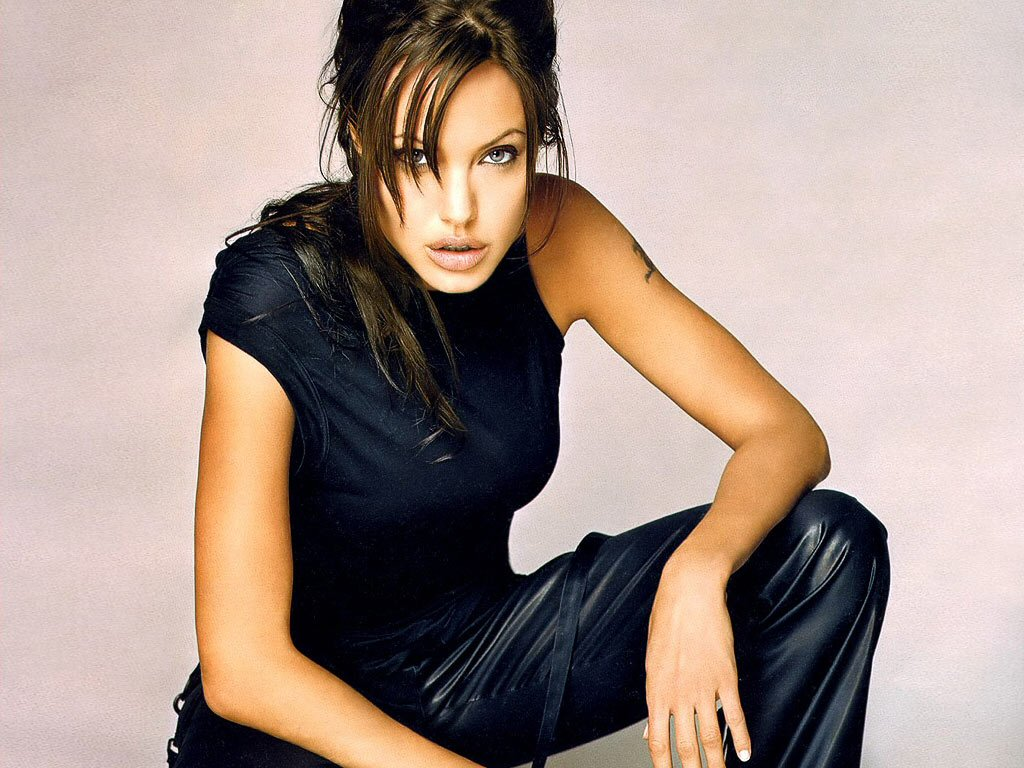 wallpaper Angelina Jolie telechargement gratuit