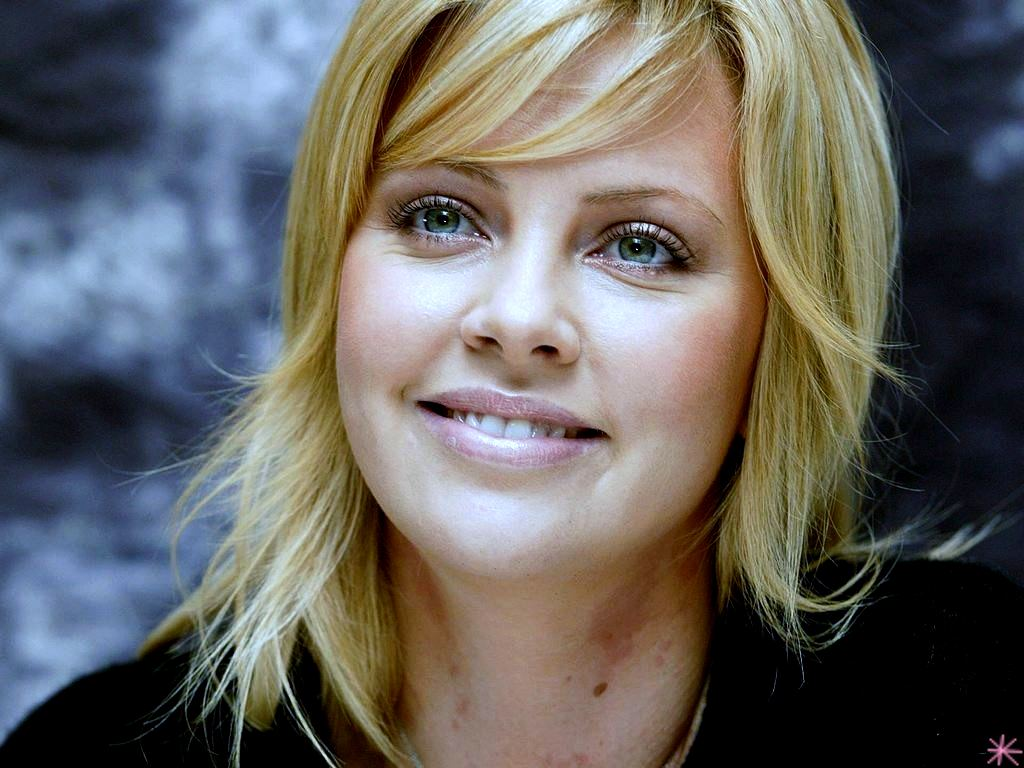 wallpaper Charlize Theron telechargement gratuit